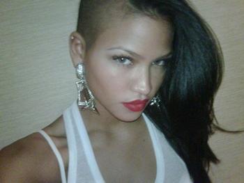 8_cassie-venturas-side-swept-shave_8-sexiest-badass-celebrity-hair-styles